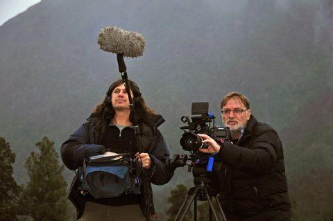 Seguro de rodaje, equipo audiovisual realiza una grabación